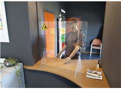 Baliescherm transparant veiligheidsscherm 75x80cm