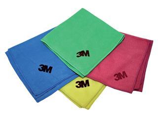 Schoonmaakartikelen doeken en plumeaus